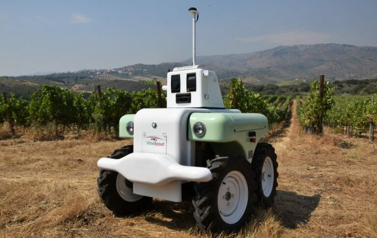 Autonomous navigation system and robot for agriculture